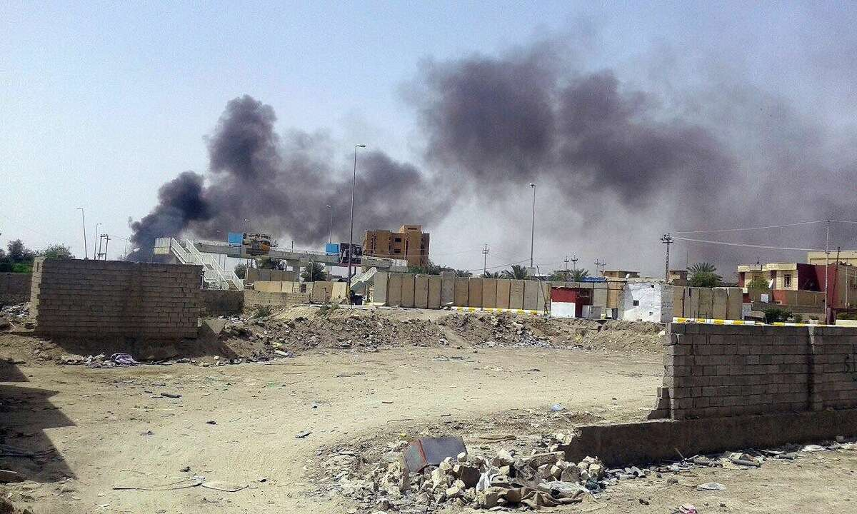 Smoke rises from the Haouz neighborhood during clashes with Islamic State group militants, in central Ramadi, 70 miles (115 kilometers) west of Baghdad, Iraq on April 20, 2015.