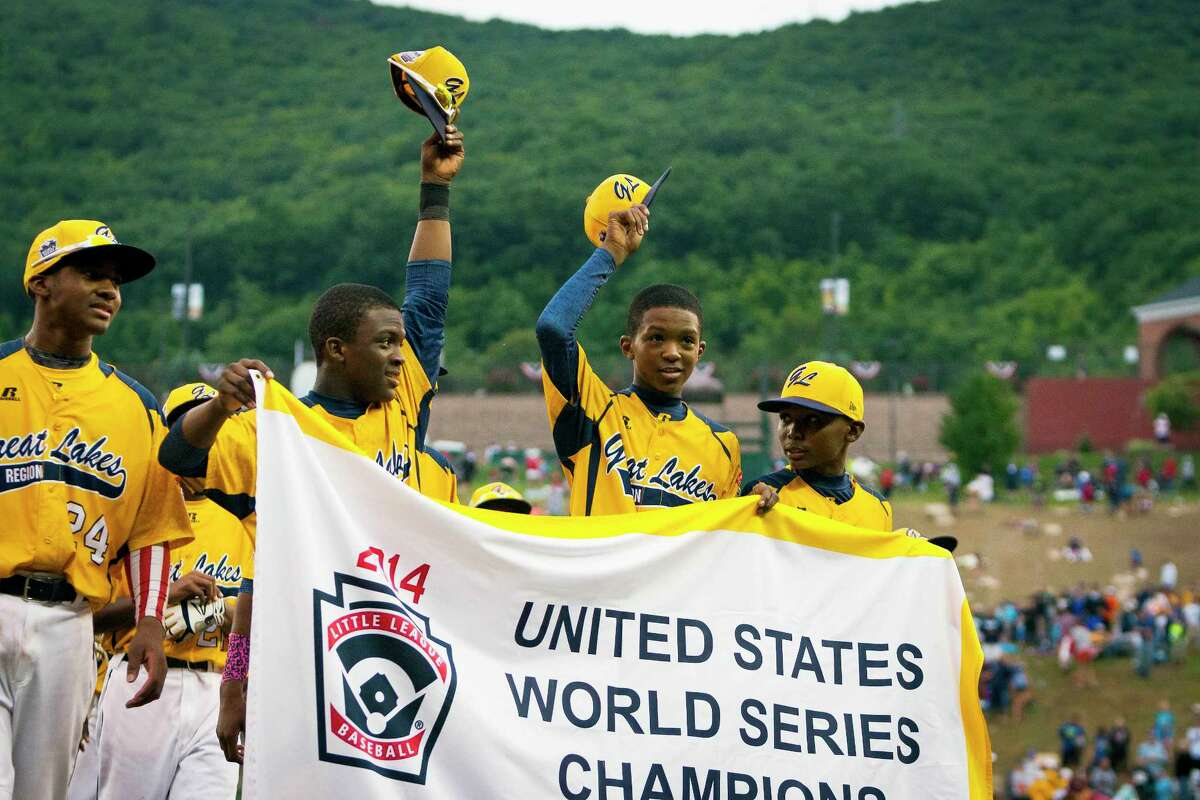 Chicago players acknowledge the crowd after the United States final of the Little League World Series on Saturday in South Williamsport, Pa. Chicago defeated Las Vegas 7-5.