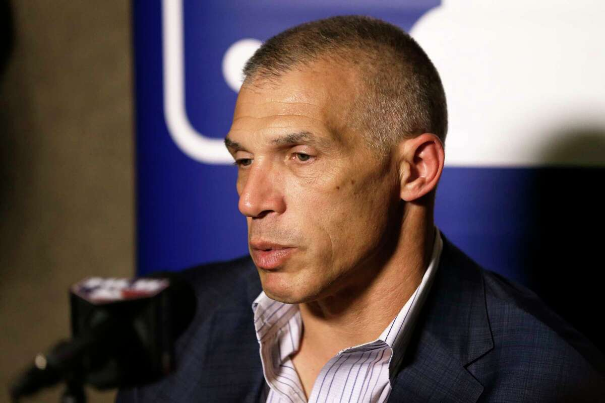 Yankees manager Joe Girardi talks with reporters at the Major League Baseball winter meetings earlier this month.