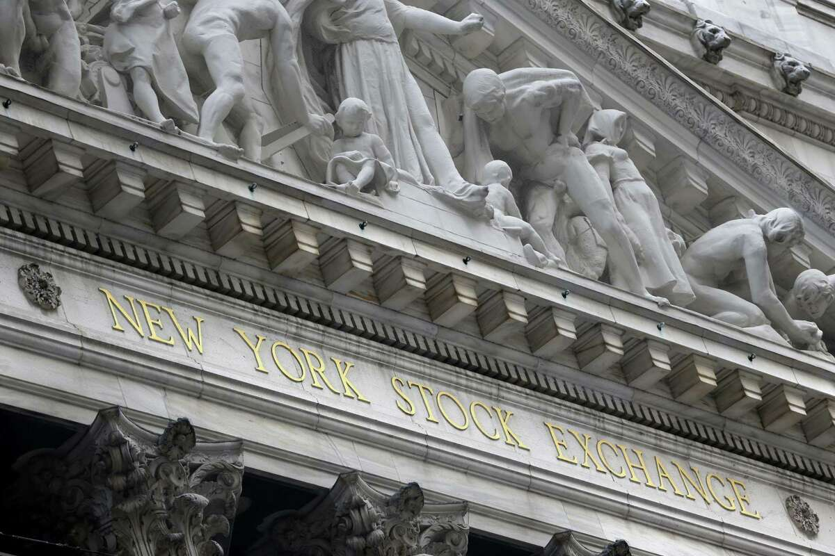 The New York Stock Exchange is seen on Aug. 24, 2015. World stock markets plunged on Monday after China's main index sank 8.5 percent, its biggest drop since the early days of the global financial crisis, amid deepening fears over the health of the world's second-largest economy.