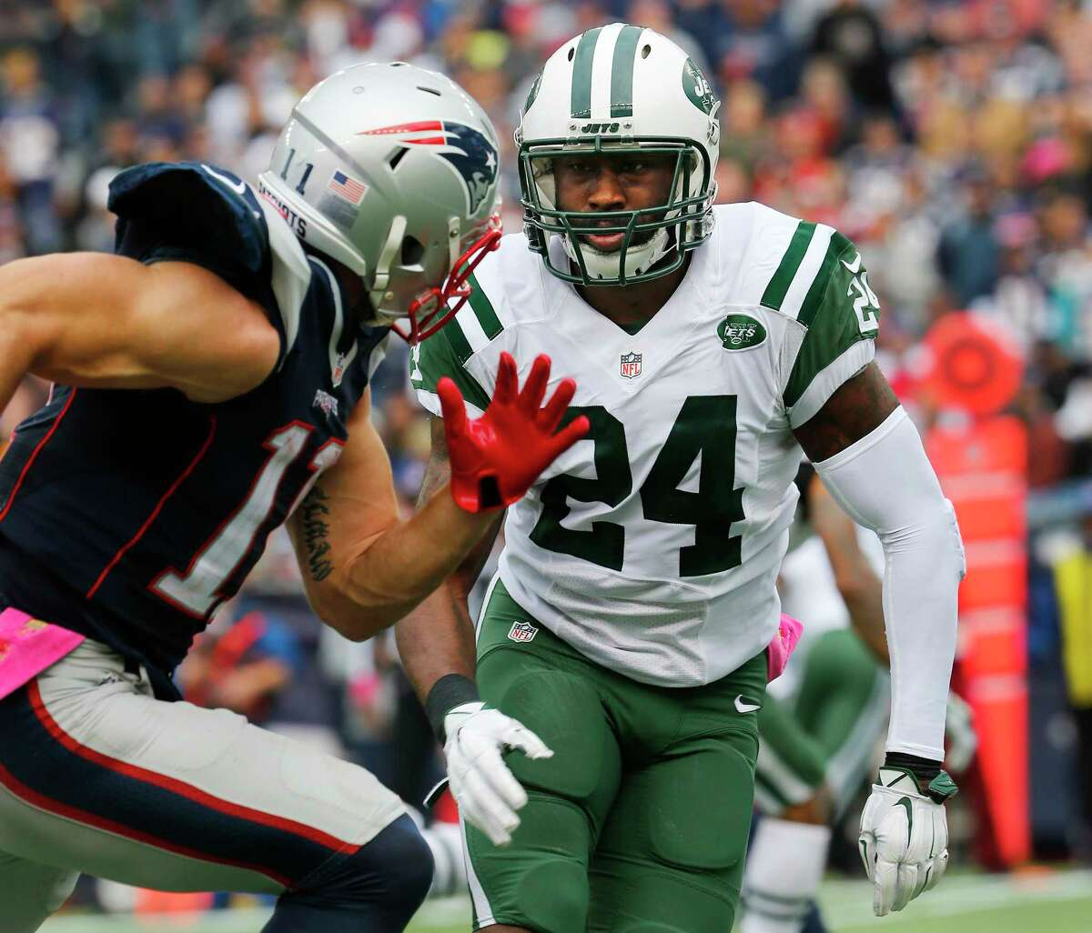 New York Jets cornerback Darrelle Revis is probable for Sunday.