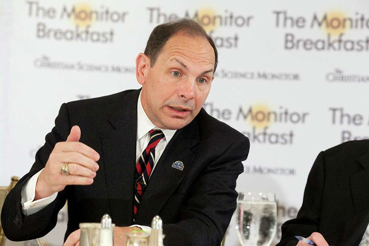 Veterans Affairs Secretary Robert McDonald speaks at a media breakfast hosted by The Christian Science Monitor in this file photo.