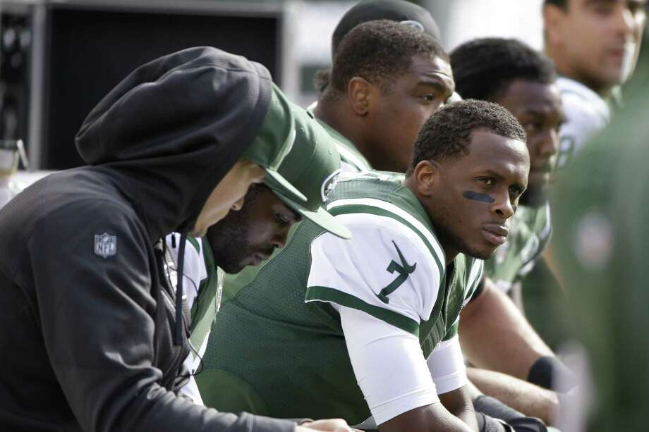New York Jets GM Mike Maccagnan says quarterback Geno Smith is unlikely to go on the short-term IR. Photo: Seth Wenig — The Associated Press File Photo  / AP