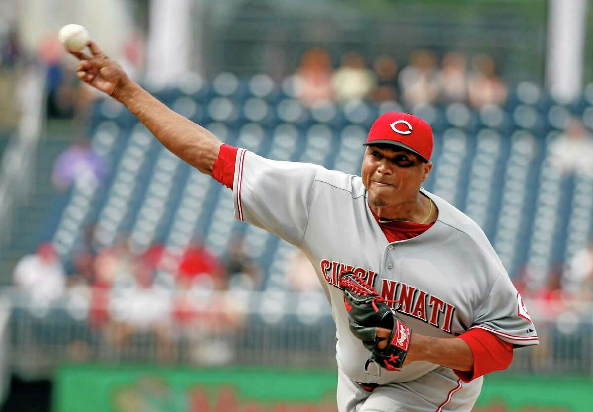 The Cincinnati Reds traded starting pitcher Alfredo Simon to the Detroit Tigers.