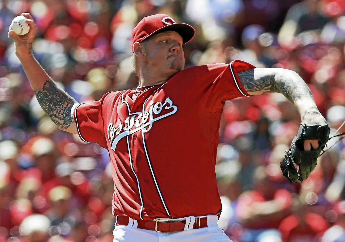 The Cincinnati Reds traded starter Mat Latos to the Miami Marlins.