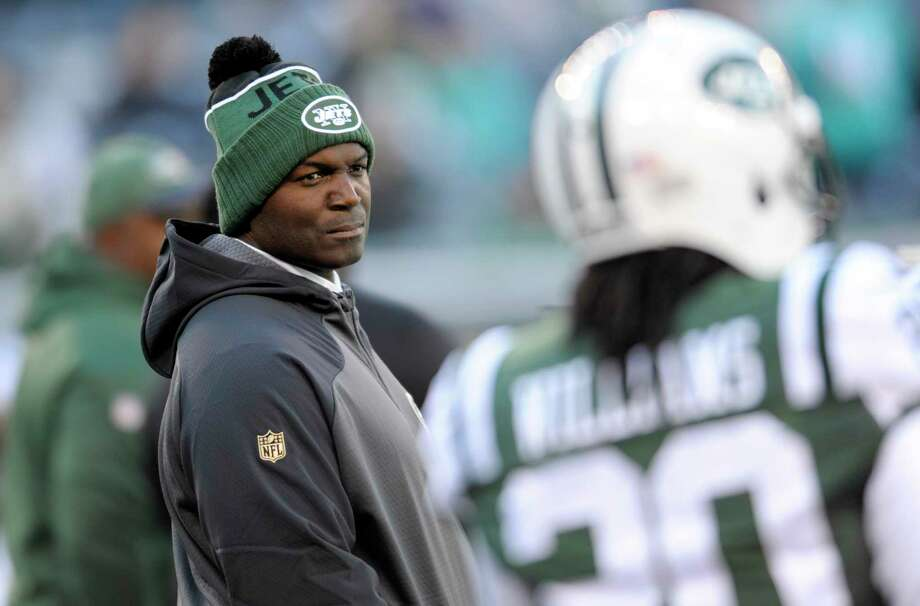 Todd Bowles and the Jets will take on the Giants today at co-owned MetLife Stadium. Photo: Bill Kostroun — The Associated Press  / FR51951 AP