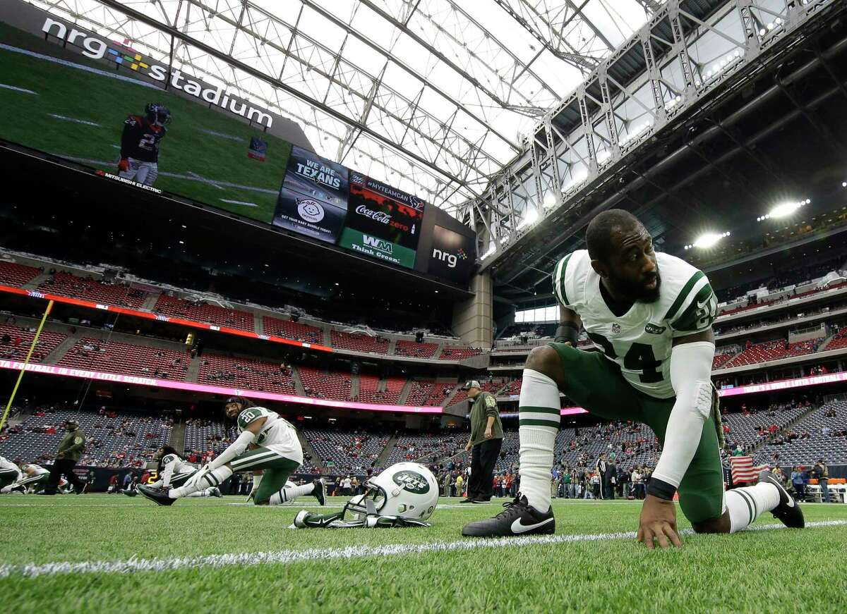 New York Jets cornerback Darrelle Revis will miss Sunday's game against the Giants.