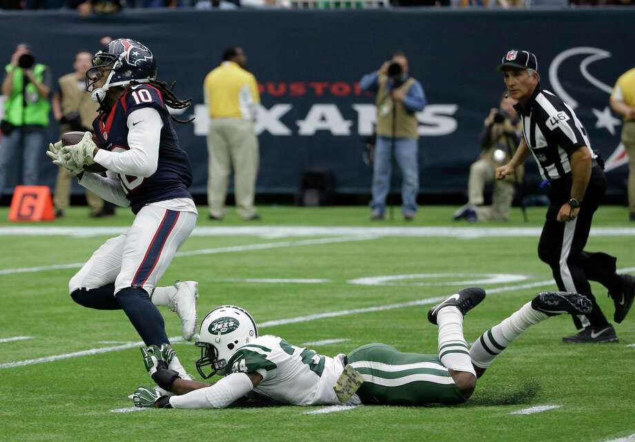 New York Jets cornerback Darrelle Revis is unlikely to play against the Giants on Sunday. Photo: David J. Phillip — The Associated Press  / AP
