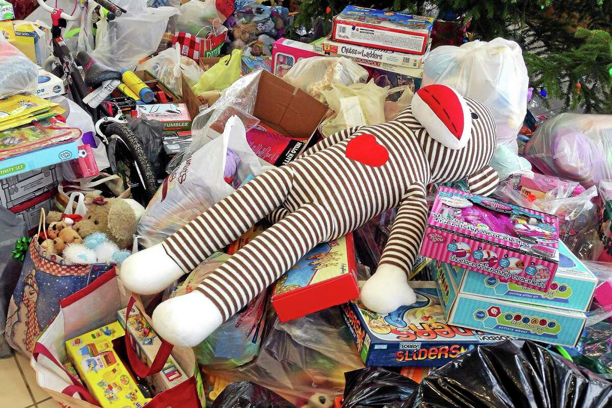 Clinton police are collecting toys to youth whose families are experiencing financial hardships.