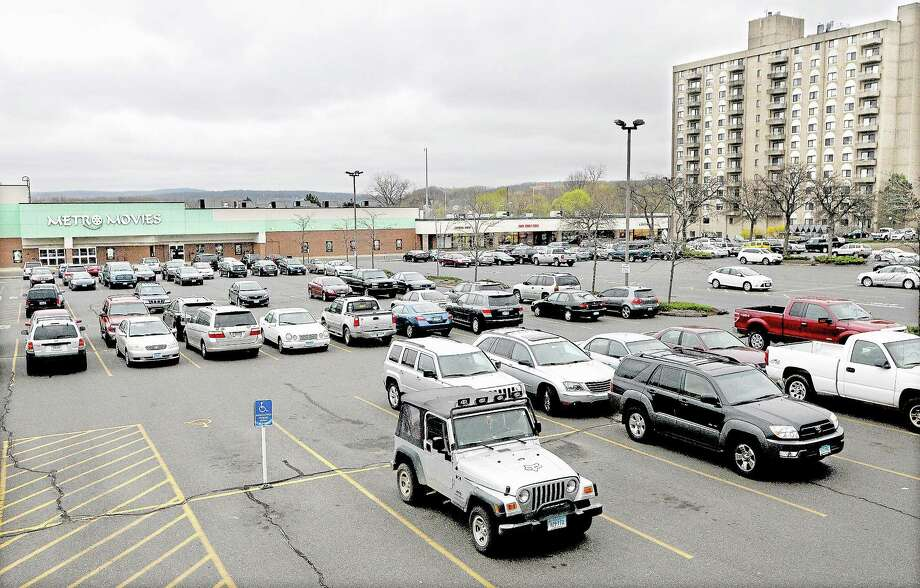 Catherine Avalone/The Middletown Press Metro Square parking lot in Middletown Photo: Journal Register Co. / TheMiddletownPress