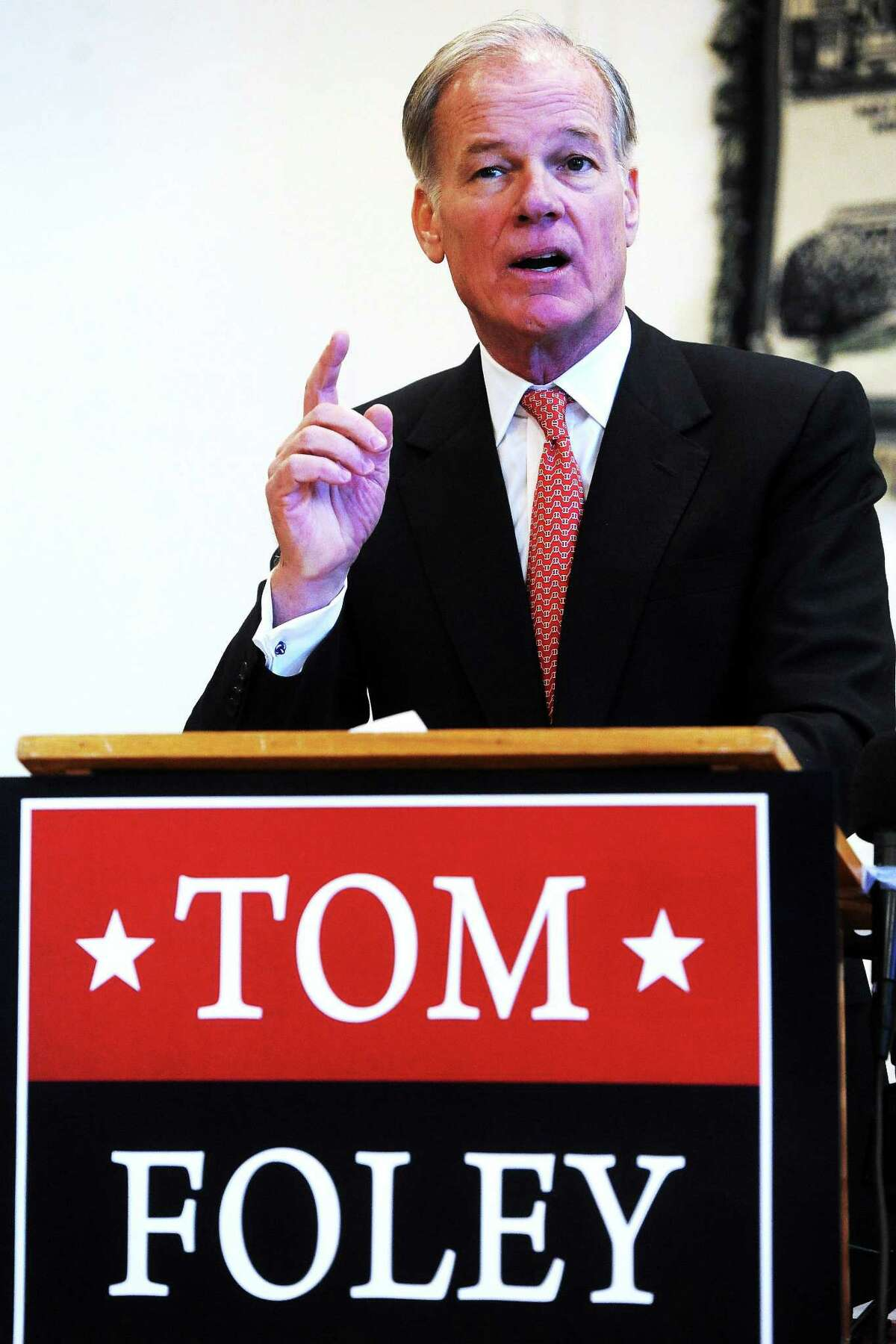 Tom Foley of Greenwich announces he will run for the Republican nominee for governor, at the Wheeler Young VFW Post 201 in Waterbury in January 2014.