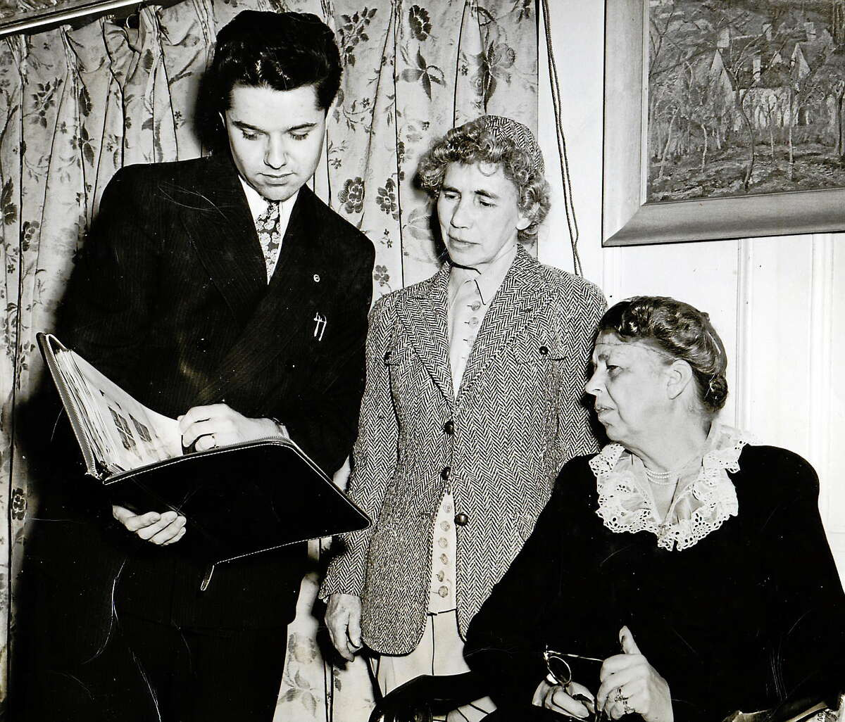 Henry Josten, former reporter for the Middletown Press, with Esther Lape and Eleanor Roosevelt