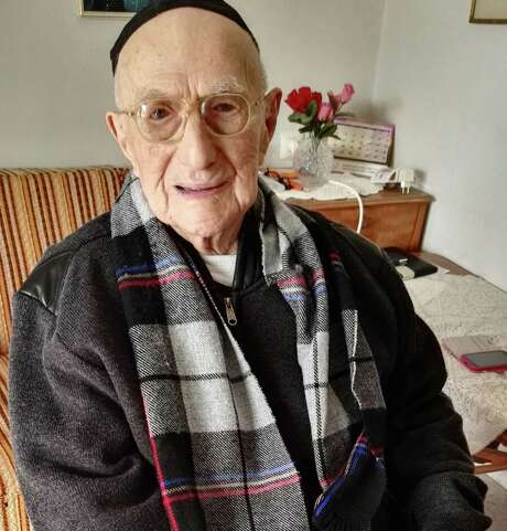 (FILES) This file photo taken on January 22, 2016 shows Yisrael Kristal sitting in his home in the Israeli city of Haifa. Israeli Holocaust survivor Yisrael Kristal, certified last year by Guinness World Records as the world's oldest man, died on August 11, 2017 aged 113, Israeli media reported.  / AFP PHOTO / SHULA KOPERSHTOUKSHULA KOPERSHTOUK/AFP/Getty Images Photo: SHULA KOPERSHTOUK, Contributor / AFP or licensors
