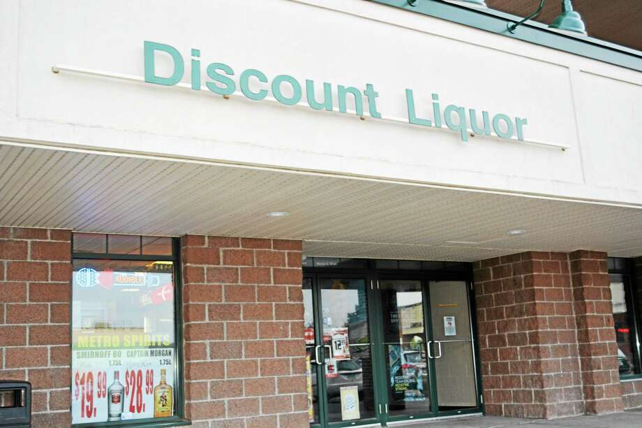 Metro Spirits liquor store is in Middletown's Metro Square off Main Street. Photo: Cassandra Day — The Middletown Press