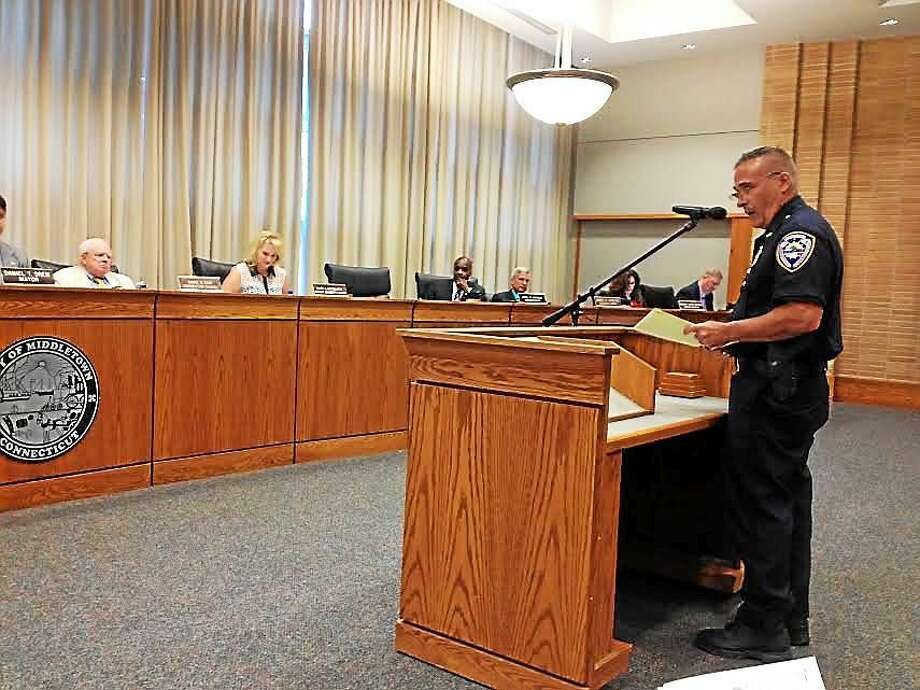 Middletown Police Chief William McKenna advocates for the police union contract at Monday's Common Council meeting at City Hall. Photo: Brian Zahn — The Middletown Press