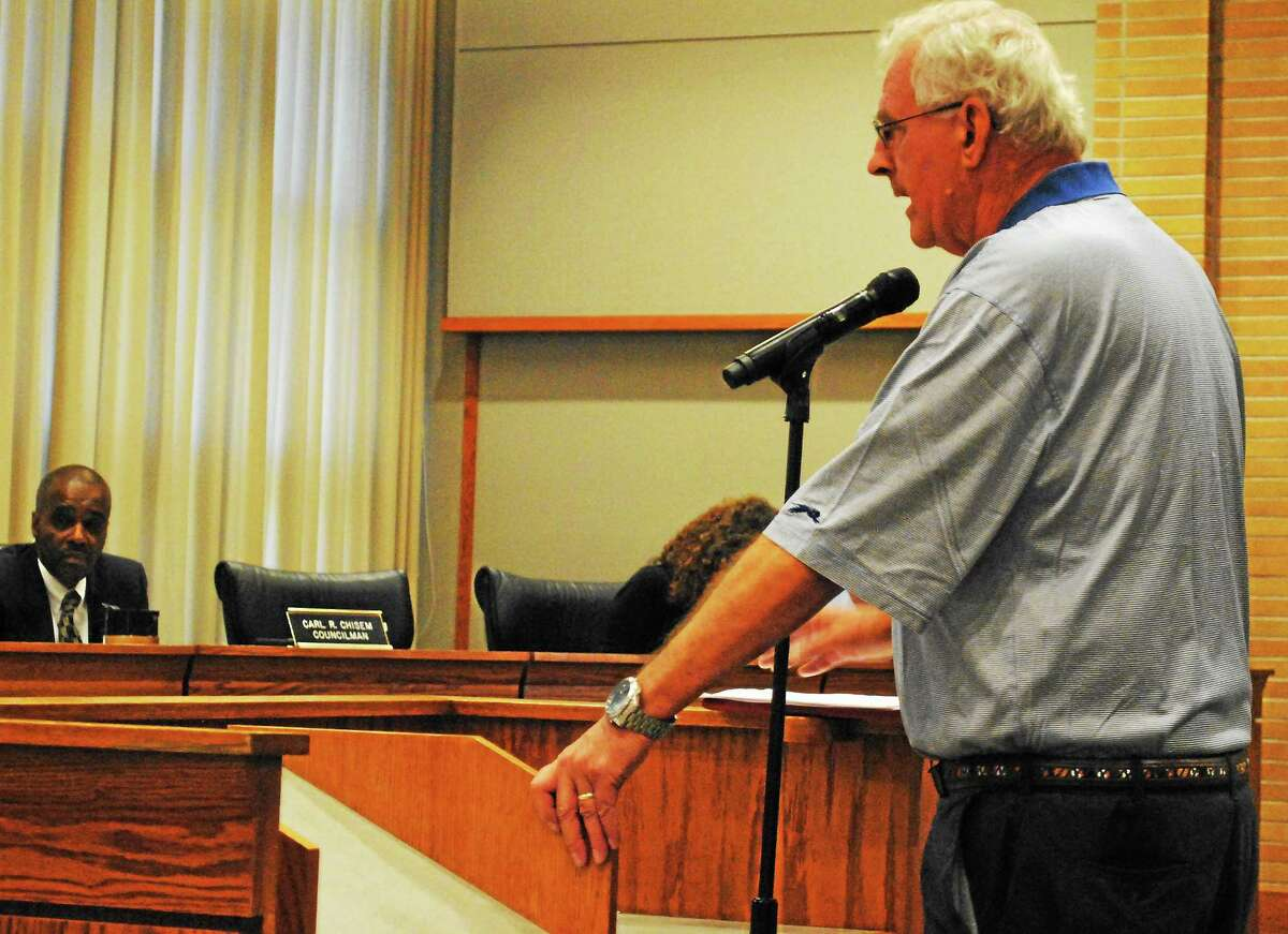 Middletown Charter Revision Commission Chairman David Larson speaks to the Common Council on Aug. 4.