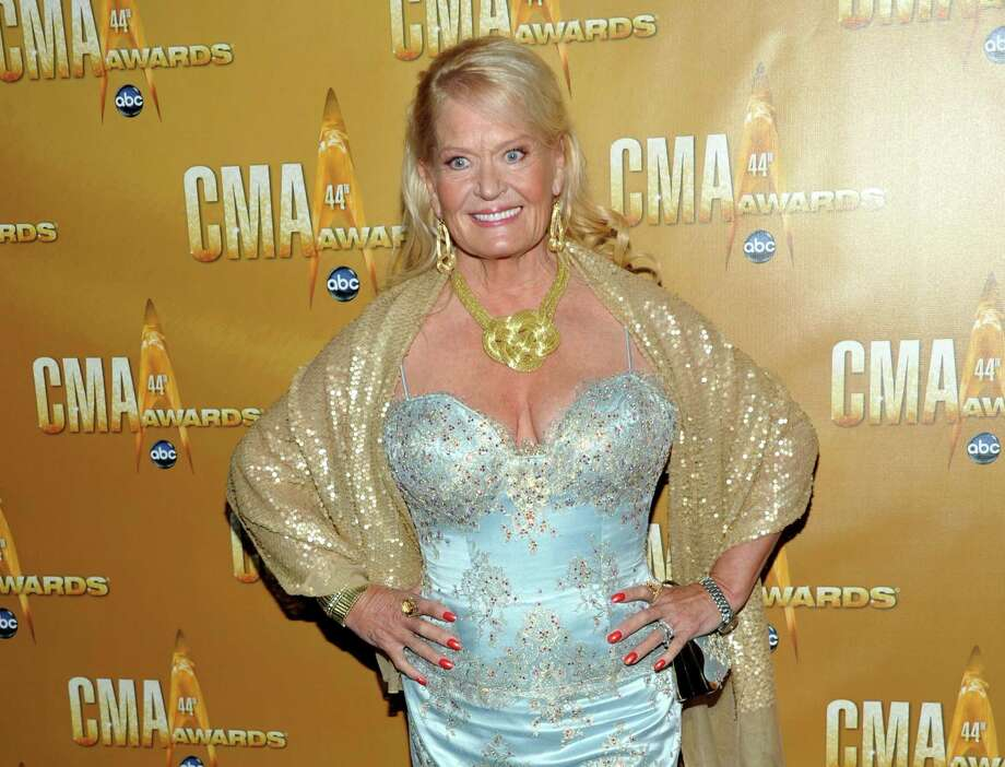 """In this Nov. 10, 2010, file photo, Lynn Anderson attends the 44th Annual Country Music Awards in Nashville, Tenn. Anderson, whose strong, husky voice carried her to the top of the country and pop charts with """"(I Never Promised You a) Rose Garden,"""" died Thursday at Vanderbilt Medical Center in Nashville, Tenn. She was 67. Photo: AP Photo/Evan Agostini, File / AGOEV"""