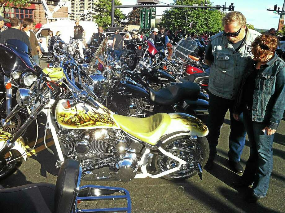 Viktoria Sundqvist - The Middletown Press Crowds gathered on Main Street in Middletown on Wednesday afternoon for the annual Motorcycle Mania. Photo: Journal Register Co.