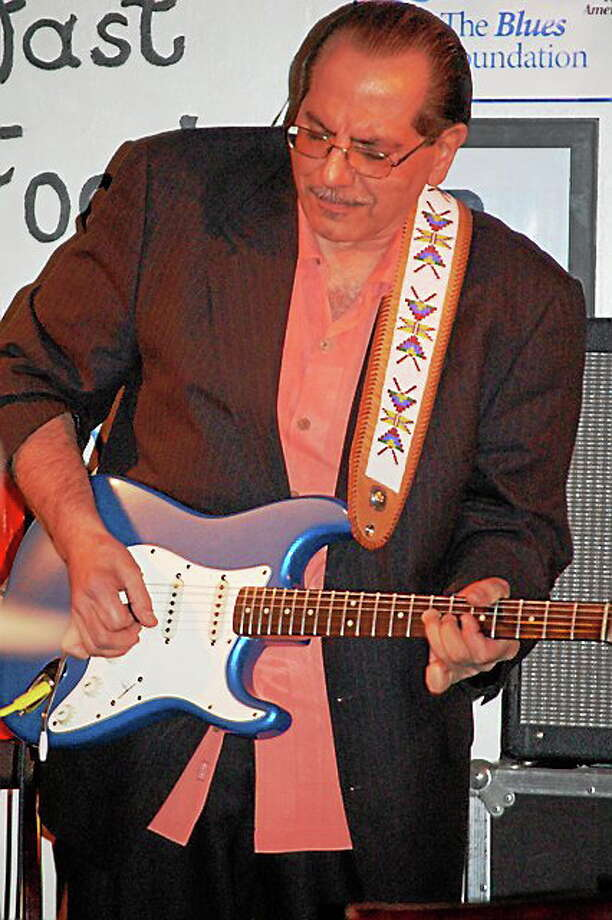 Photo by Domenic Forcella Paul Gabriel plays at the Cypress Grill Sunday. Photo: Journal Register Co.