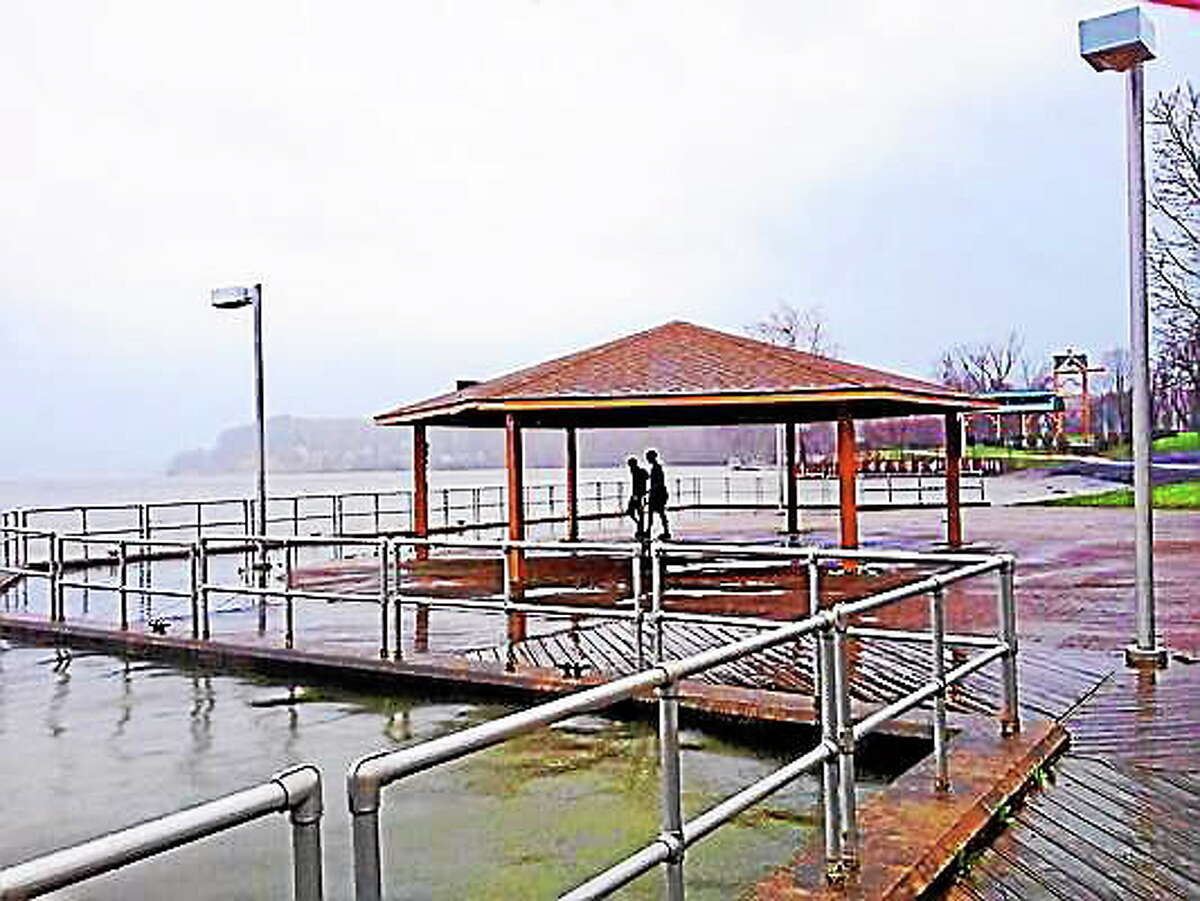 Waters rise at Harbor Park in Middletown. Cassandra Day ó The Middletown Press