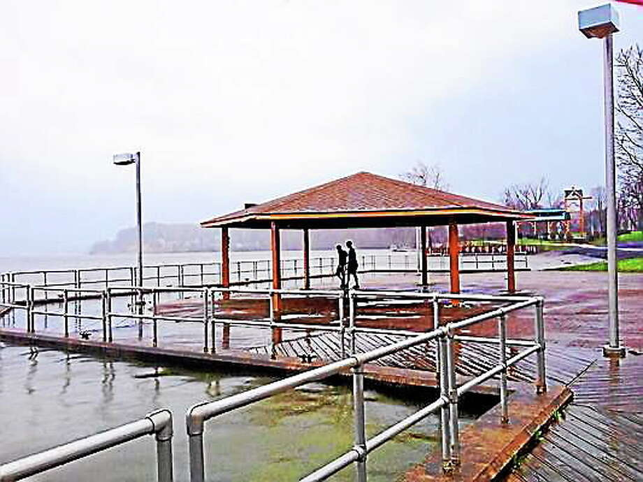 Waters rise at Harbor Park in Middletown. Cassandra Day ó The Middletown Press Photo: Journal Register Co.