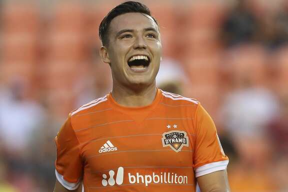 Houston Dynamo forward Erick Torres (9) reacts to not making a goal during the first half of the game at BBVA Compass Stadium Wednesday, July 5, 2017, in Houston. ( Yi-Chin Lee / Houston Chronicle )