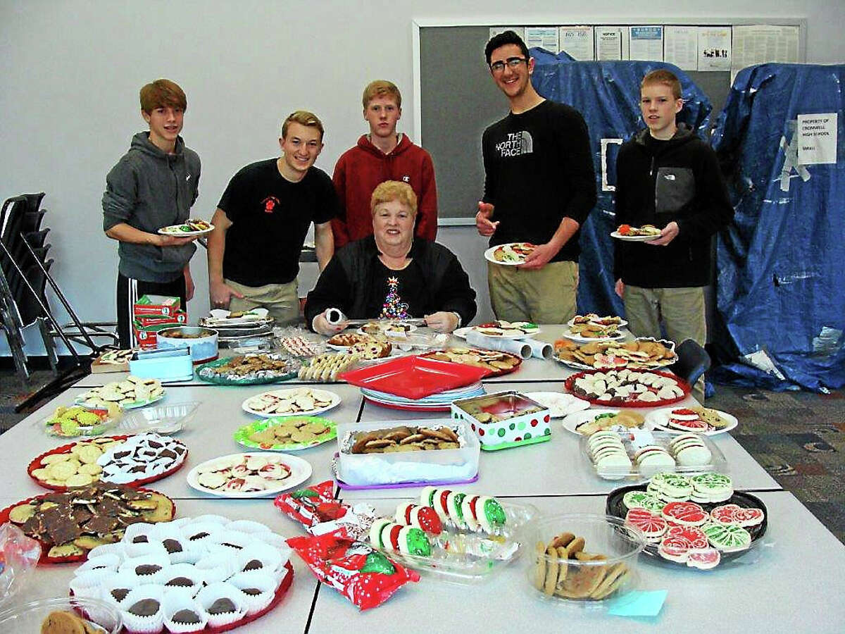 Because an array of holiday cookies can never be too vast, Cromwell Student Council volunteered their skills by baking more than two dozen for the Santa's Workshop Thursday.