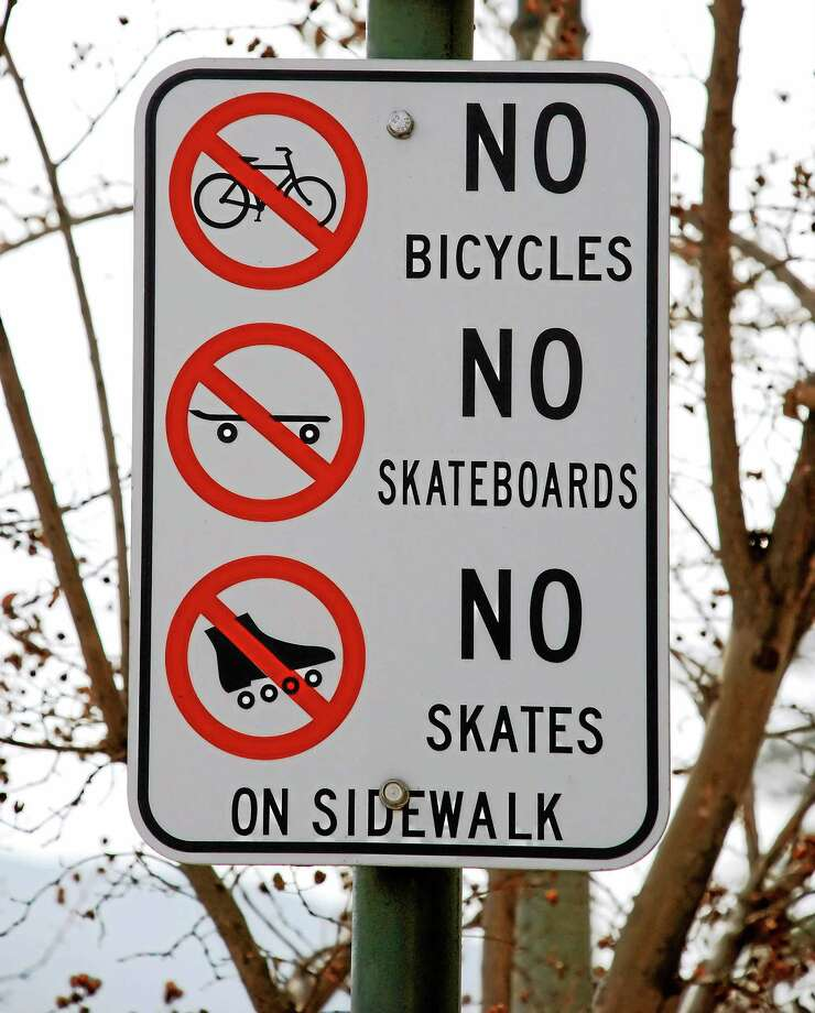 Middletown Police remind residents that bicycling is not permitted on city sidewalks. Photo: Morguefile