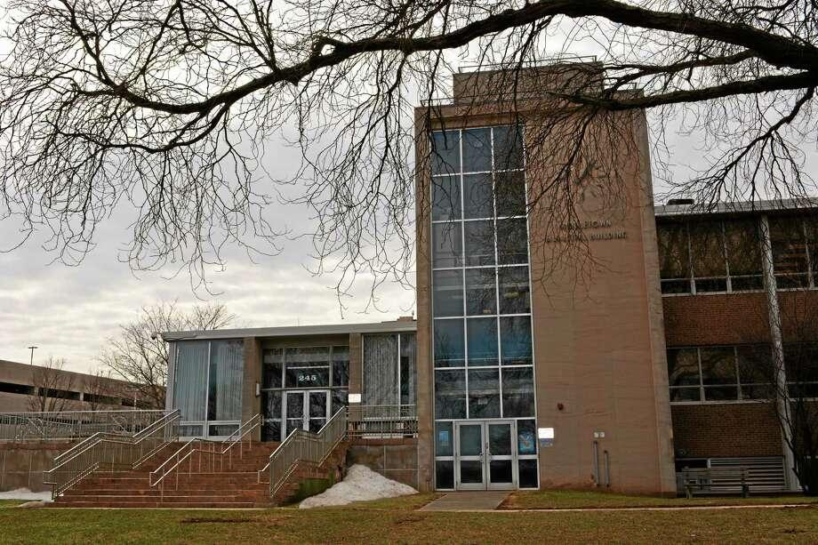 Cassandra Day / The Middletown Press ¬ Middletown city hall ¬ Photo: Journal Register Co.