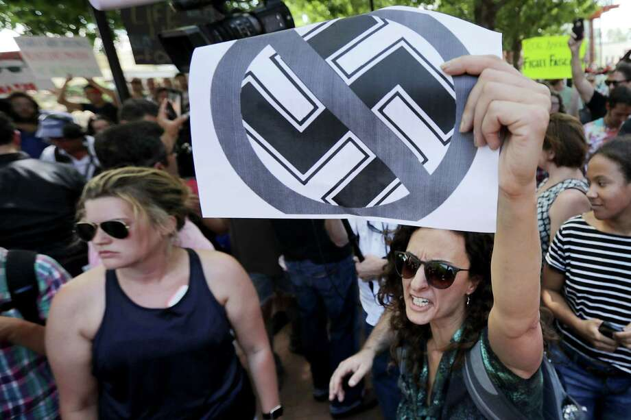 Protesters shout anti-Nazi chants on August 13, 2017 in Charlottesville, Virginia. Photo: Chip Somodevilla, Getty Images / 2017 Getty Images
