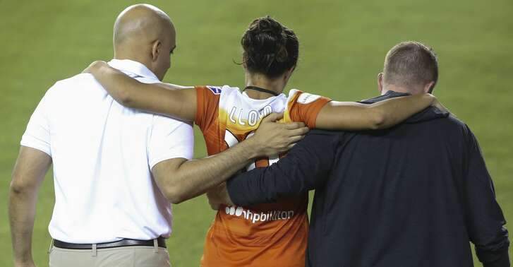Houston Dash midfielder Carli Lloyd (10) being carried off field during the first half of the game at BBVA Compass Stadium Sunday, Aug. 13, 2017, in Houston. ( Yi-Chin Lee / Houston Chronicle )