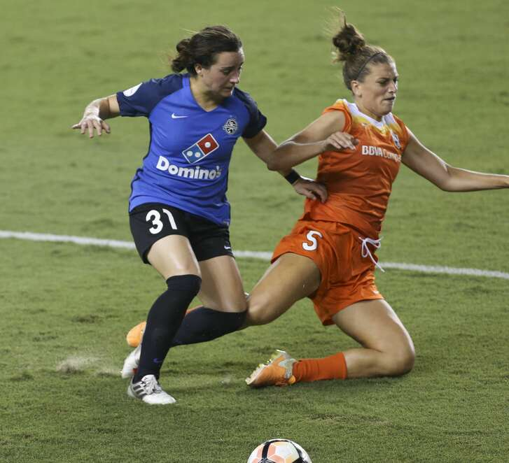 Houston Dash defender Cari Roccaro (5) defensing FC Kansas City defender Christina Gibbons (31) during the first half of the game at BBVA Compass Stadium Sunday, Aug. 13, 2017, in Houston. ( Yi-Chin Lee / Houston Chronicle )