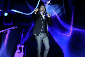 Marco Antonio Solis performs at the Laredo Energy Arena on Saturday, August 12, 2017.