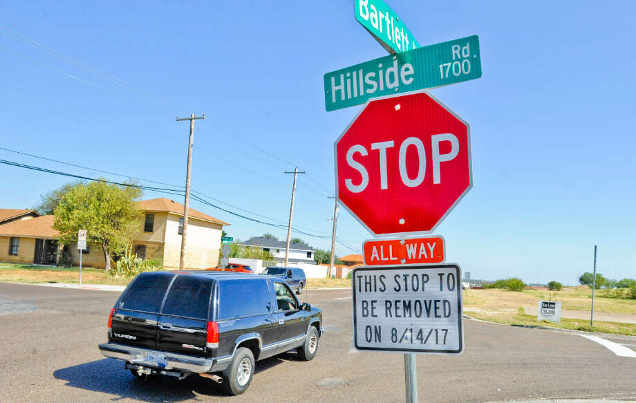 A stop sign on the south bound side of Bartlett Avenue at the intersection with Hillside Road. Photo: Danny Zaragoza/Laredo Morning Times