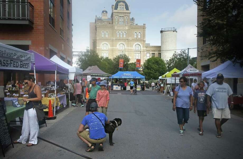 "A Morning at The PearlActivity: ""The Pearl's Weekend Market"" Photo: Ron Cortes /For The San Antonio Express-News / Freelance"