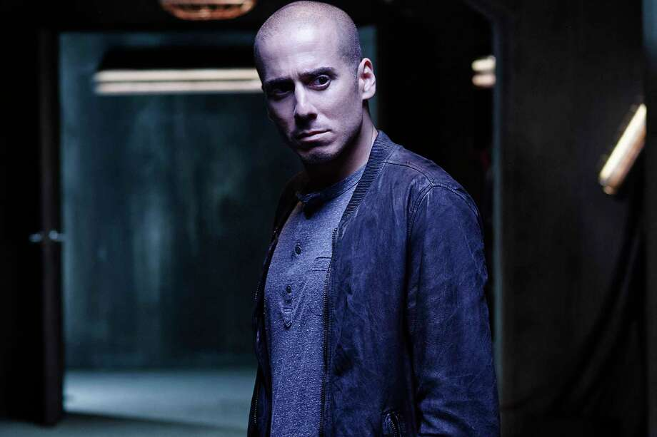 Arrow Casts Kirk Acevedo as Richard Dragon