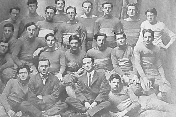 Beaumont High School Football Team (1913)
