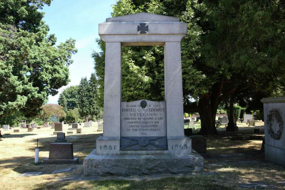 A memorial to the United Confederate Veterans stand in Lakeview Cemetery in Capitol Hill. Photographed Aug. 15, 2017. It was erected in 1926 and paid for by the United Daughters of the Confederacy. Photo: GENNA MARTIN, SEATTLEPI.COM / SEATTLEPI.COM