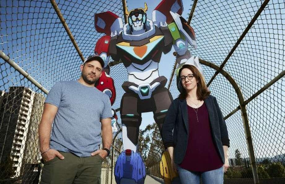 How Voltron Legendary Defender Combats Its Own Nostalgia In Netflix Reboot Houston Chronicle