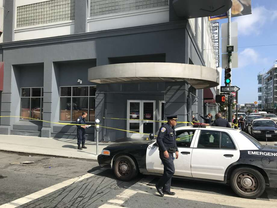 San Francisco police at the scene of a shooting outside of the Burlington Coat Factory at Fifth and Howard streets on Tuesday, August 15, 2017. Photo: Chris Preovolos/SFGATE
