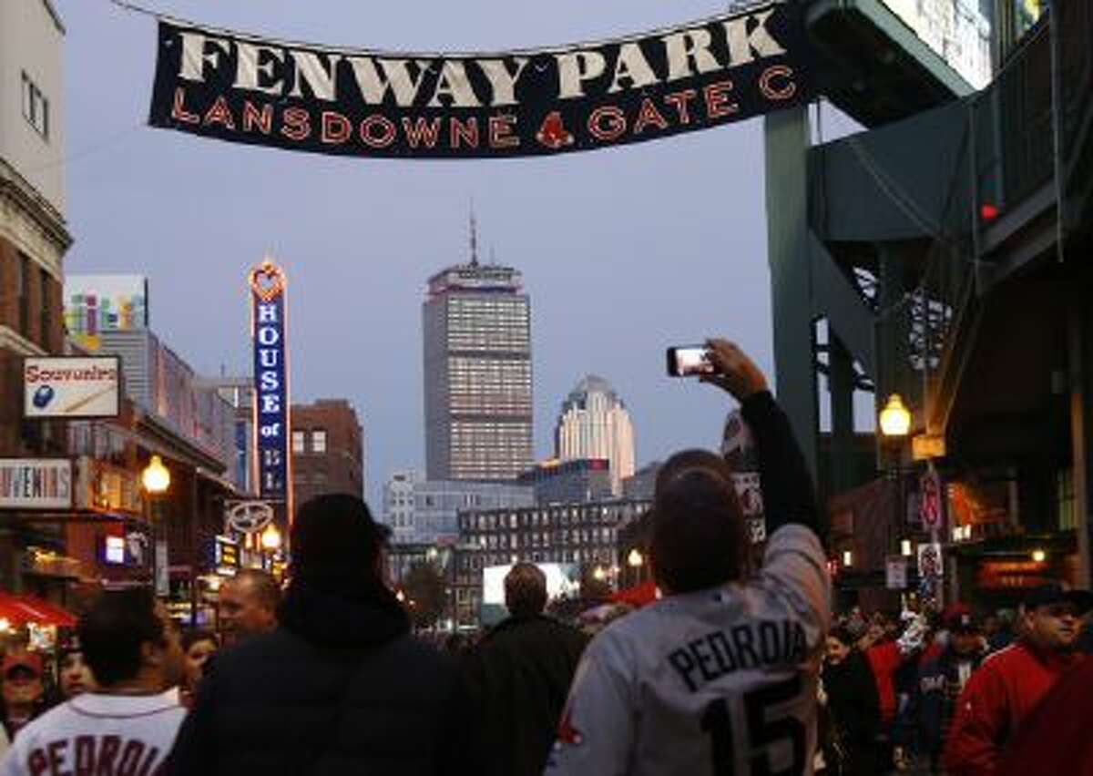 Notre Dame and Boston College will play a football game at Fenway Park in Boston next season.