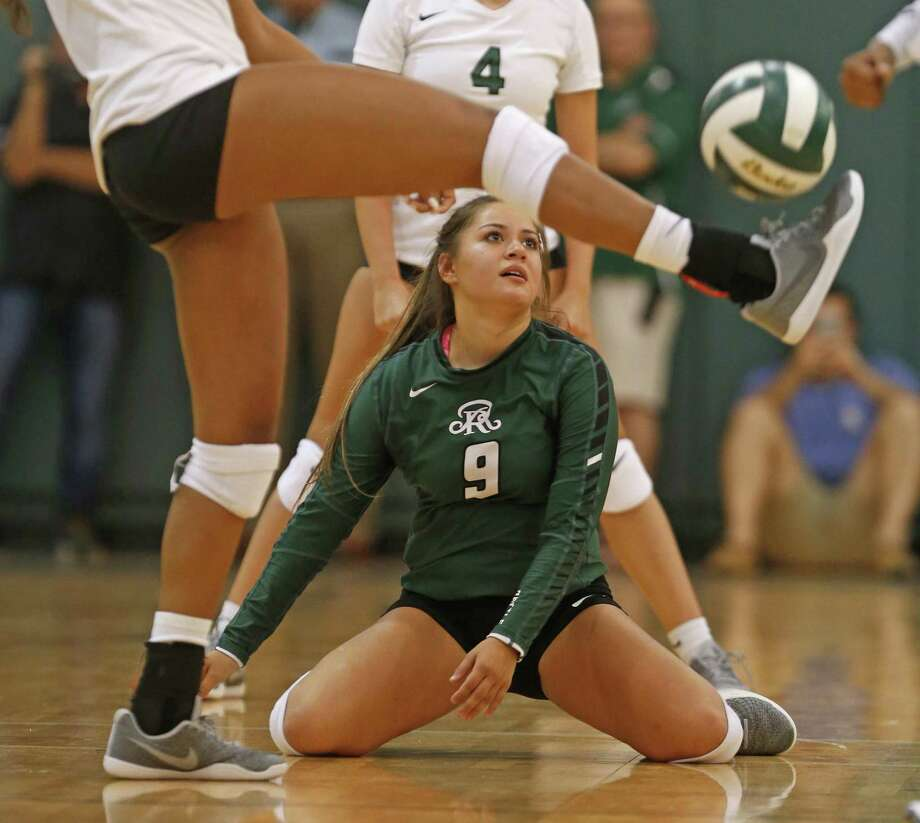 Reagan Lydia Niebla watches a teammate kick the ball in frustration. High school volleyball match between Reagan and Brandeis on Tuesday, August 15, 2017 Photo: Ron Cortes, Freelance / For The San Antonio Express-News / Ronald Cortes / Freelance