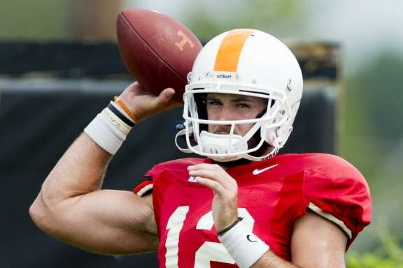 Tennessee quarterback Quinten Dormady, a former Boerne High School standout, looks to pass during fall practice in Knoxville, Tenn., on Aug. 11, 2017.