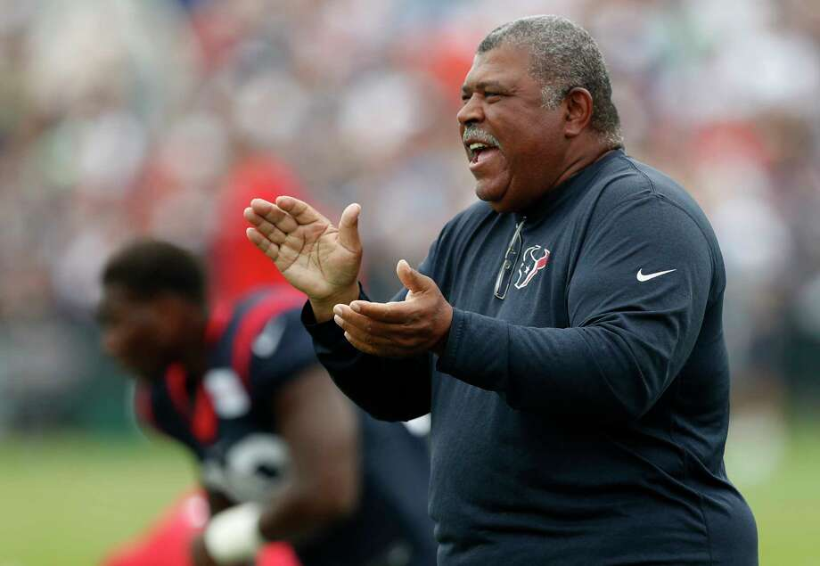 Assistant head coach Romeo Crennel is expected to return to the Texans in 2018. Photo: Brett Coomer, Houston Chronicle / © 2017 Houston Chronicle}