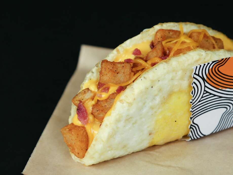 Taco Bell will start selling the 'Naked Egg Taco,' a breakfast taco that uses a fried egg as the shell, on August 31st. Photo: Taco Bell