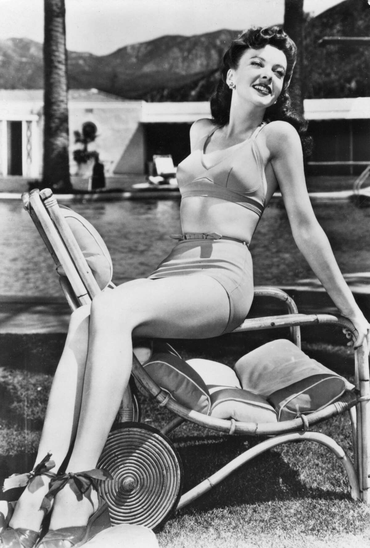 1940:Ida Lupino Keep clicking to see which pin-up girl was the most popular the year you were born.