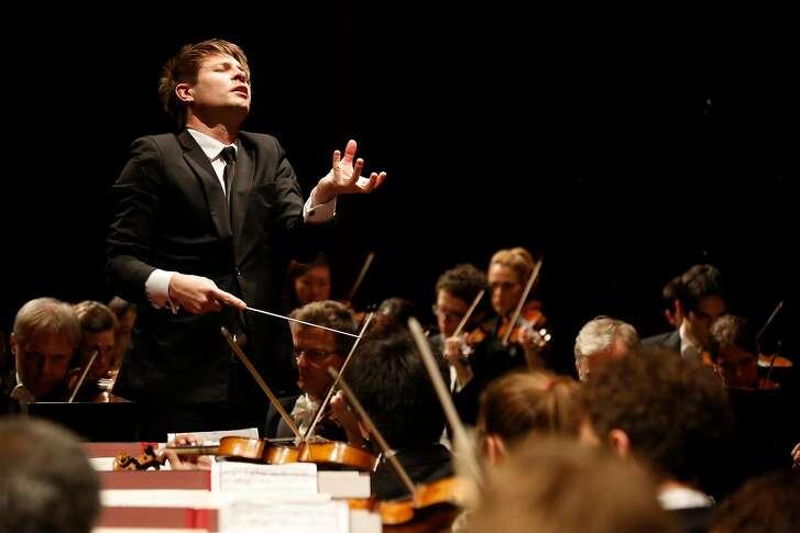 Conductor�Krzysztof Urbanski