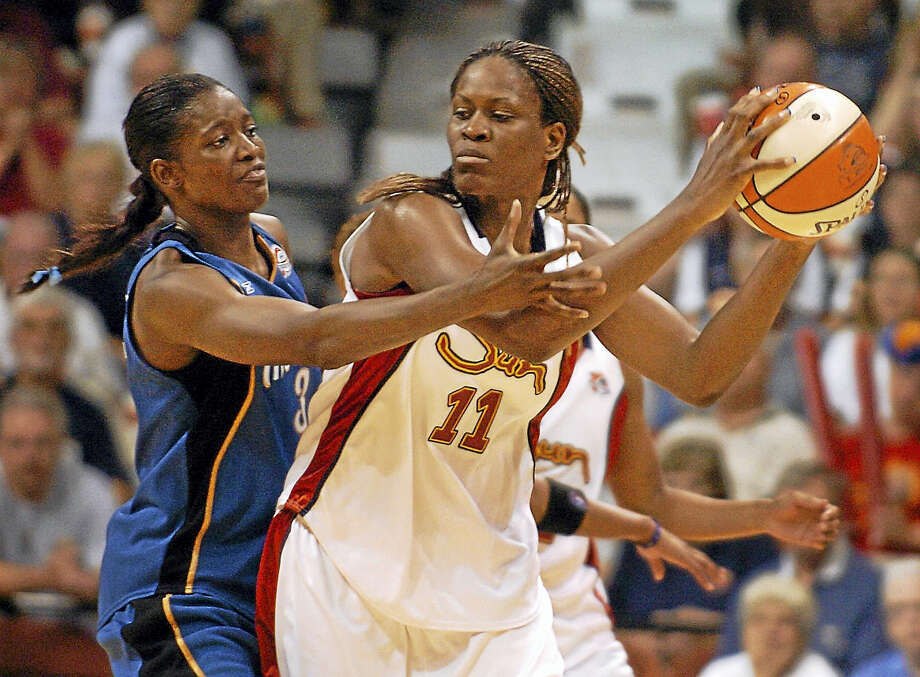 Taj McWilliams-Franklin, seen here in 2006 playing for the Sun iand now an assistant coach with the Dallas Wings, is happy to see her old team doing so well. Photo: Associated Press File Photo / AP