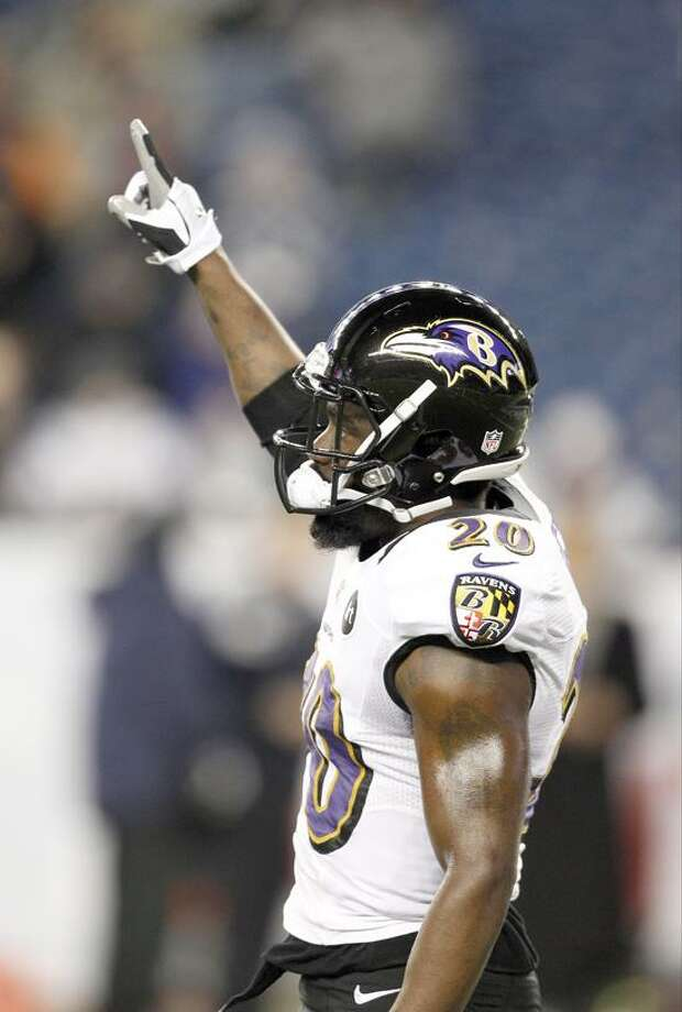 Baltimore Ravens free safety Ed Reed warms up before the NFL football AFC Championship football game against the New England Patriots in Foxborough, Mass., Sunday, Jan. 20, 2013. (AP Photo/Stephan Savoia) Photo: AP / 2013 AP