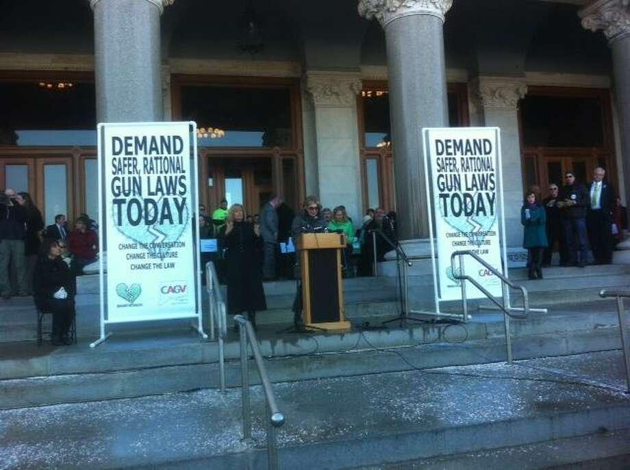 Actress Christine Baranski speaks at the anti-gun rally Thursday in Hartford. Peter Hvizdak/Register